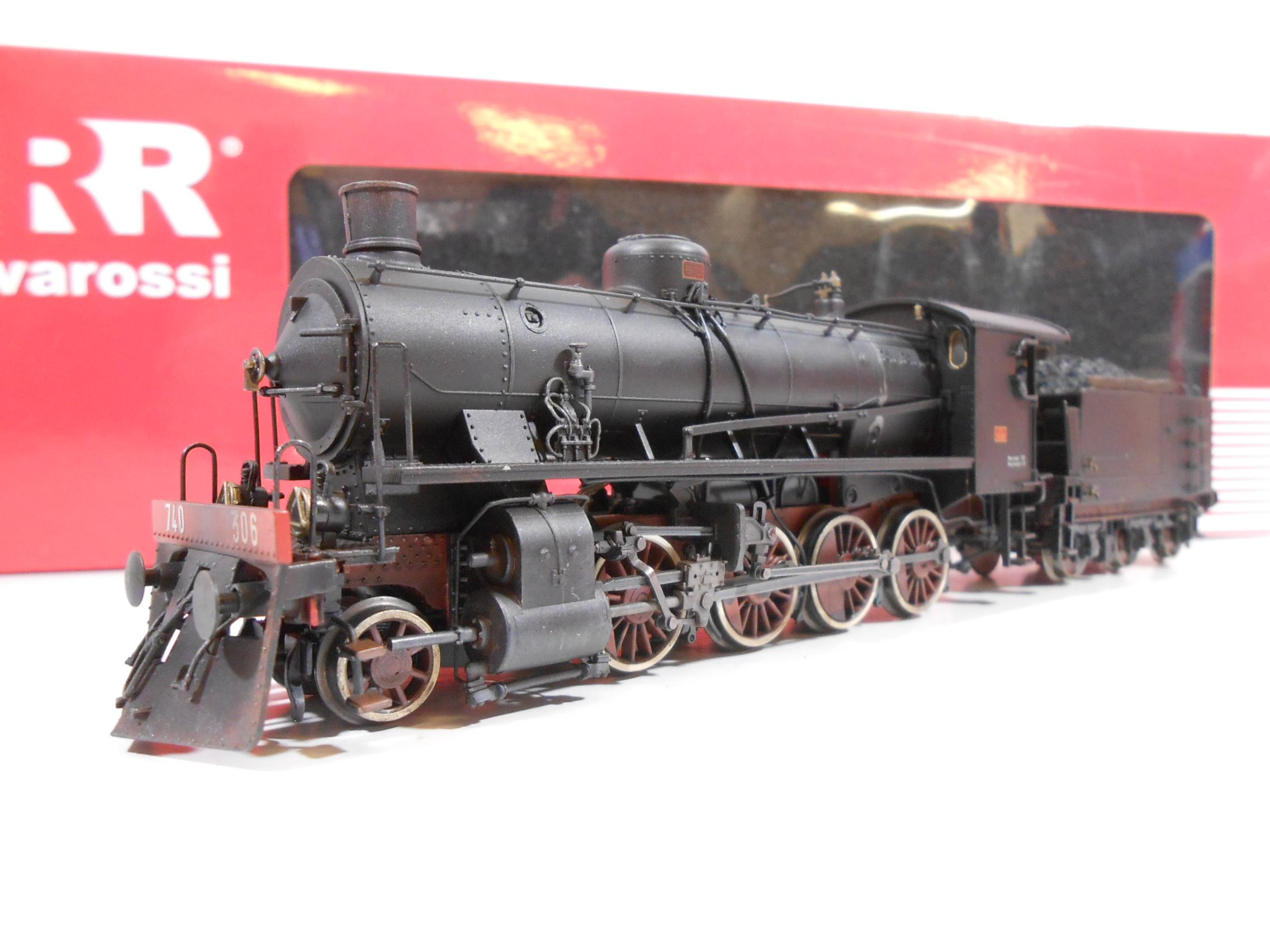 HORNBY/RIVAROSSI HR2383 - Locomotiva a vapore Gr.740.306 FS con tender a tre assi - MODELLO INVECCHIATO