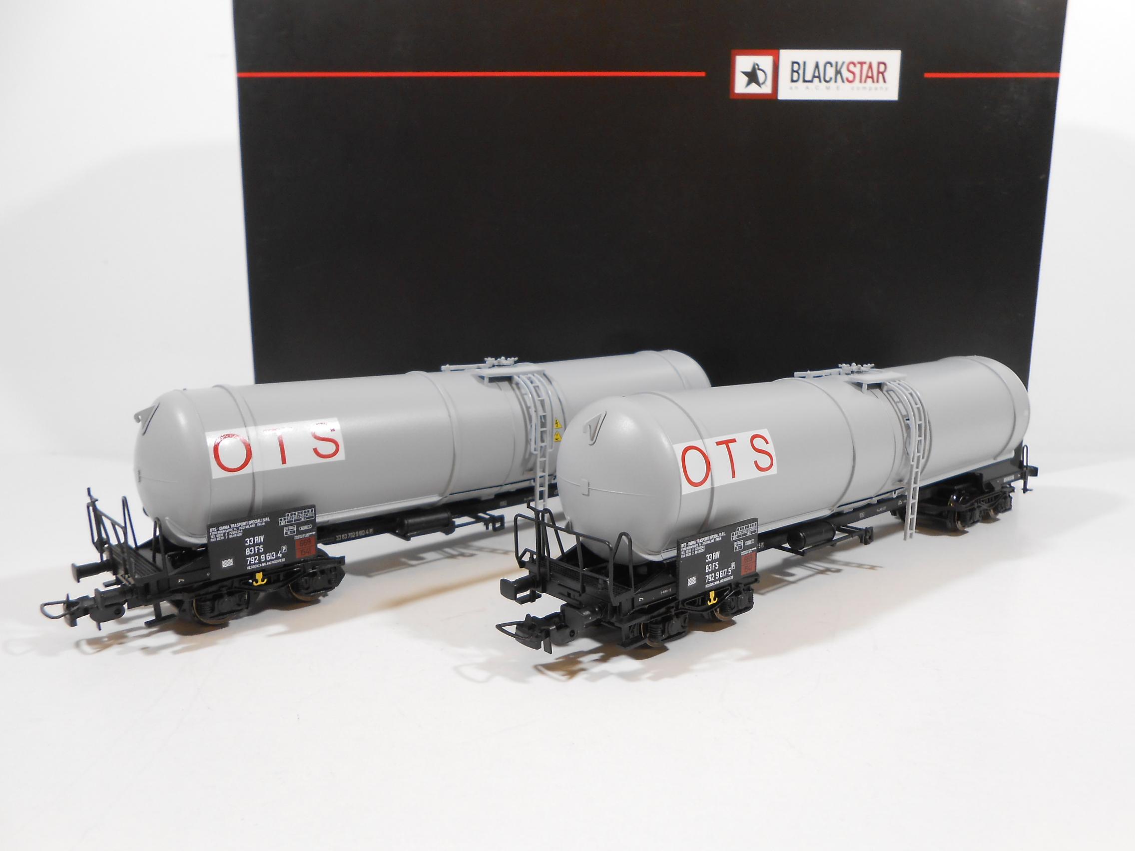 "BLACKSTAR BS00024-501706 - Set due cisterne Zans ""OTS"" livrea grigia epoca VI"