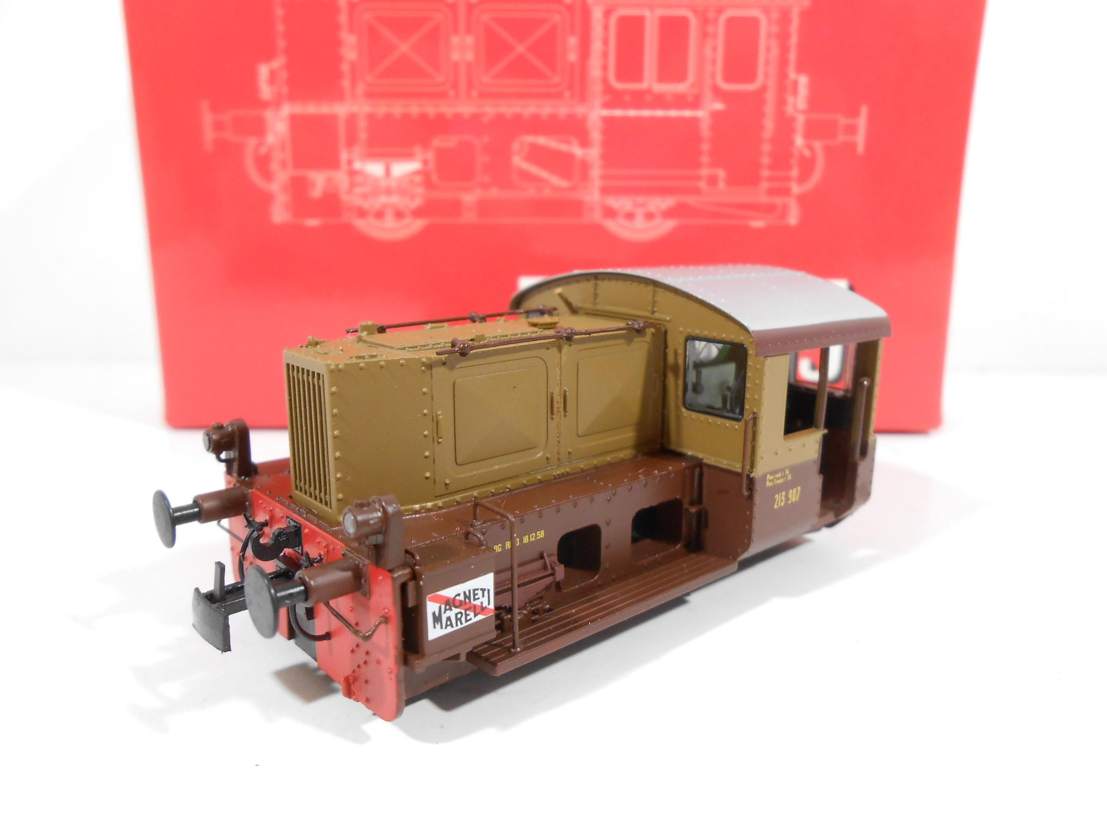 BLACKSTAR/LENZ 30155-02 - Locomotore da manovra (ex-Kof) D213.907 castano/isabella FS Italia